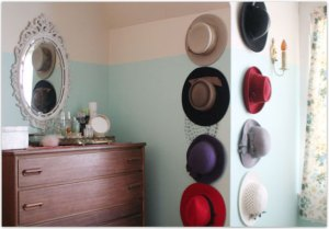 Posting-at-apartment-therapy-hat-display